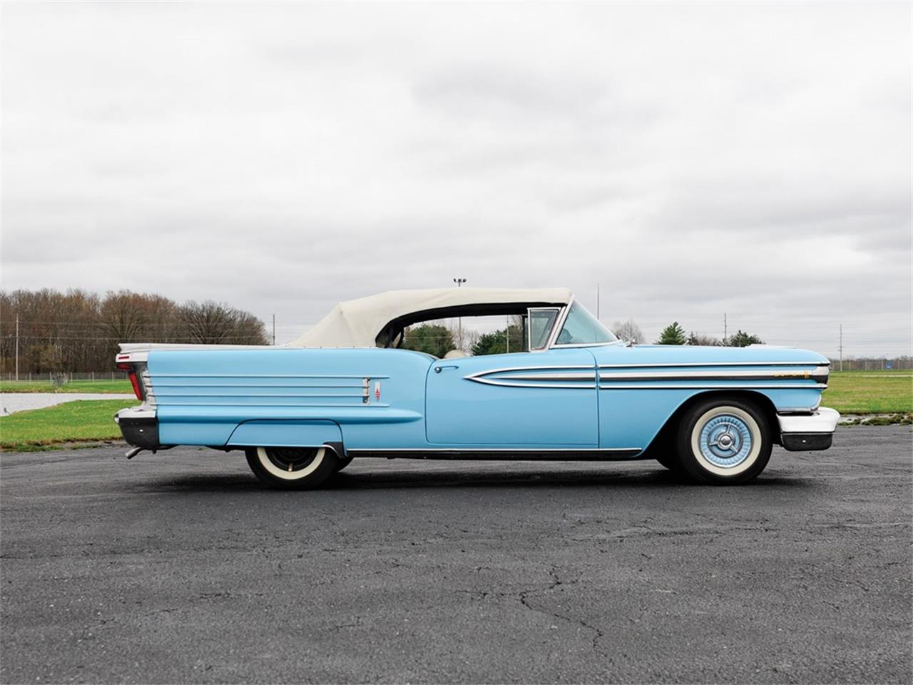 Large Picture of Classic 1958 Oldsmobile Dynamic 88 located in Auburn Indiana - PXGU