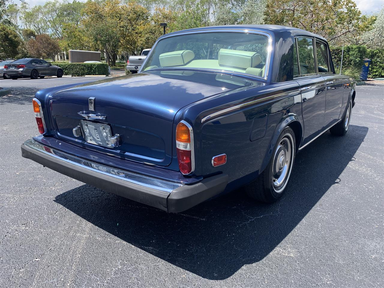 Large Picture of '74 Silver Shadow - PXPW
