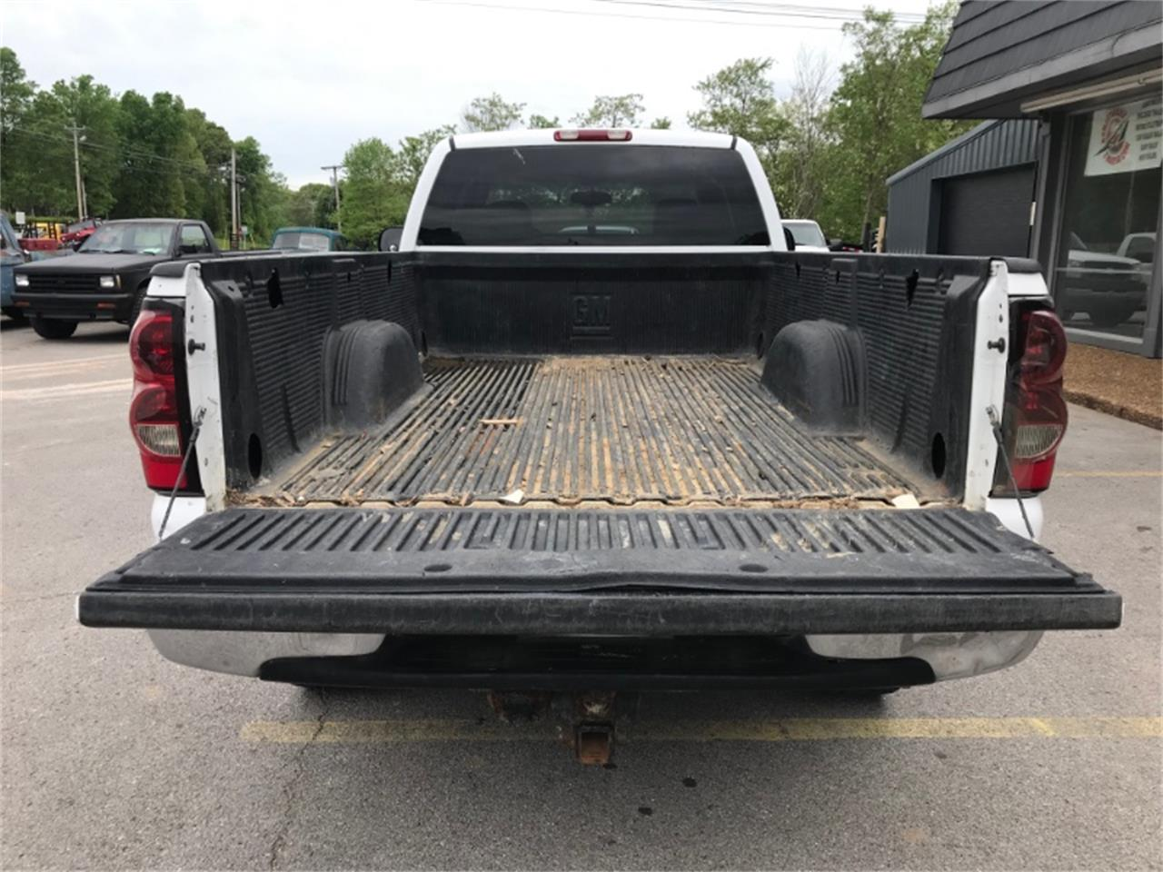 Large Picture of '05 Silverado - PYGM