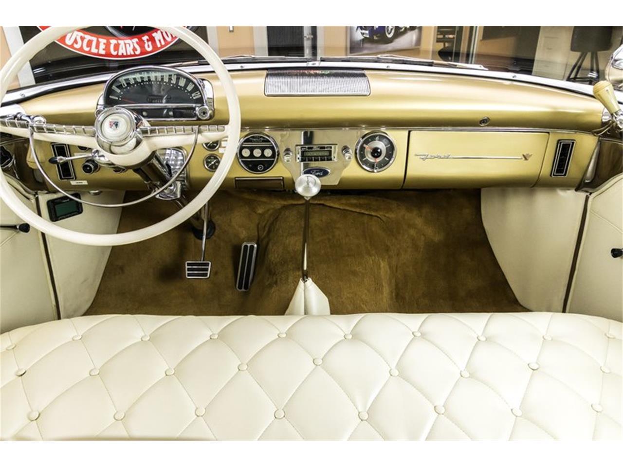 Large Picture of '55 Fairlane - PXR3