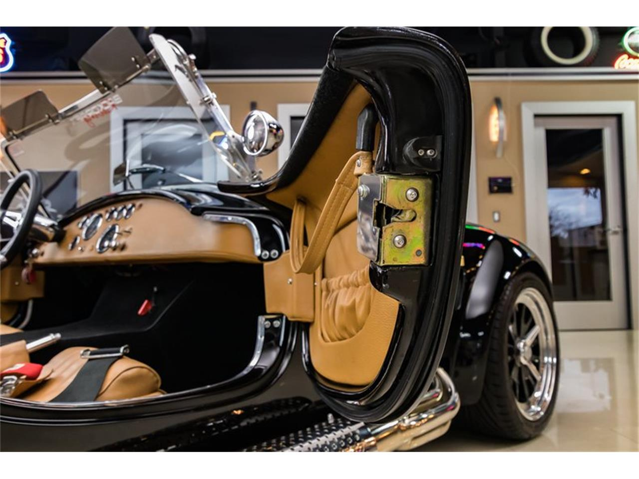Large Picture of 1965 Cobra - PXRB