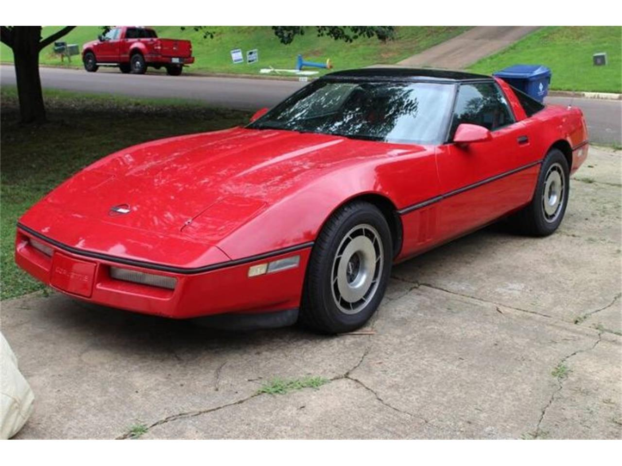 Large Picture of 1985 Chevrolet Corvette located in Michigan - PYZF