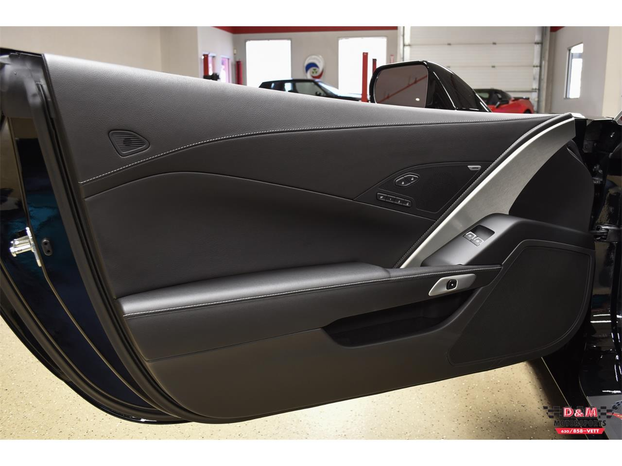 Large Picture of 2015 Corvette located in Glen Ellyn Illinois - PZ21