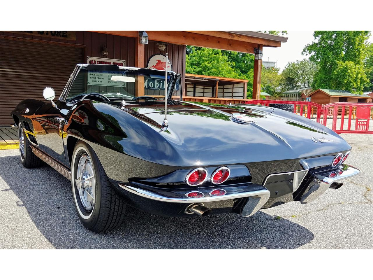 Large Picture of 1963 Corvette Offered by Carcraft Classics - PZ32
