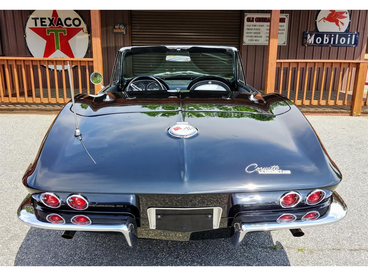 Large Picture of Classic '63 Chevrolet Corvette located in Georgia Offered by Carcraft Classics - PZ32