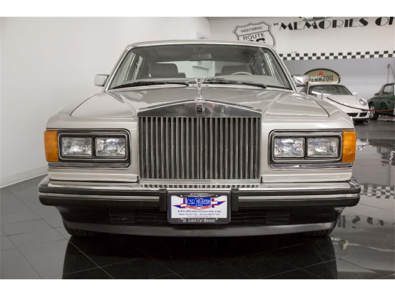 Large Picture of '89 Rolls-Royce Silver Spur located in St. Louis Missouri - PXSH