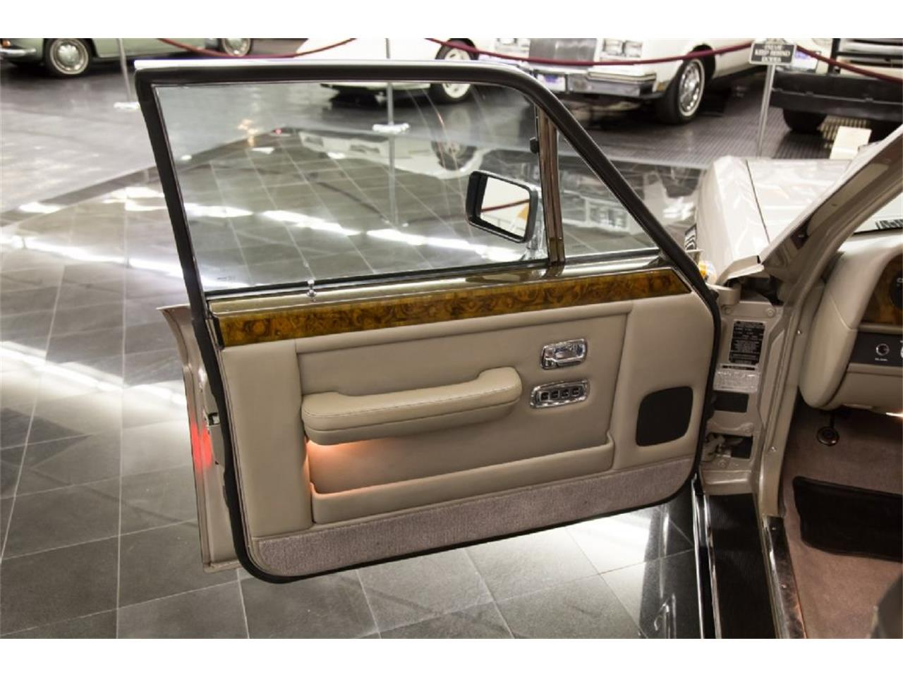 Large Picture of '89 Rolls-Royce Silver Spur - $32,900.00 Offered by St. Louis Car Museum - PXSH