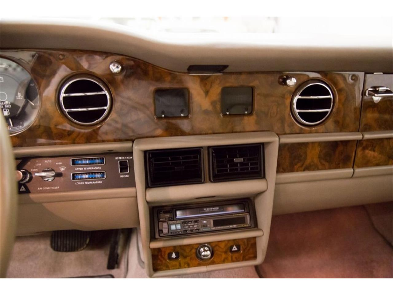 Large Picture of '89 Rolls-Royce Silver Spur Offered by St. Louis Car Museum - PXSH