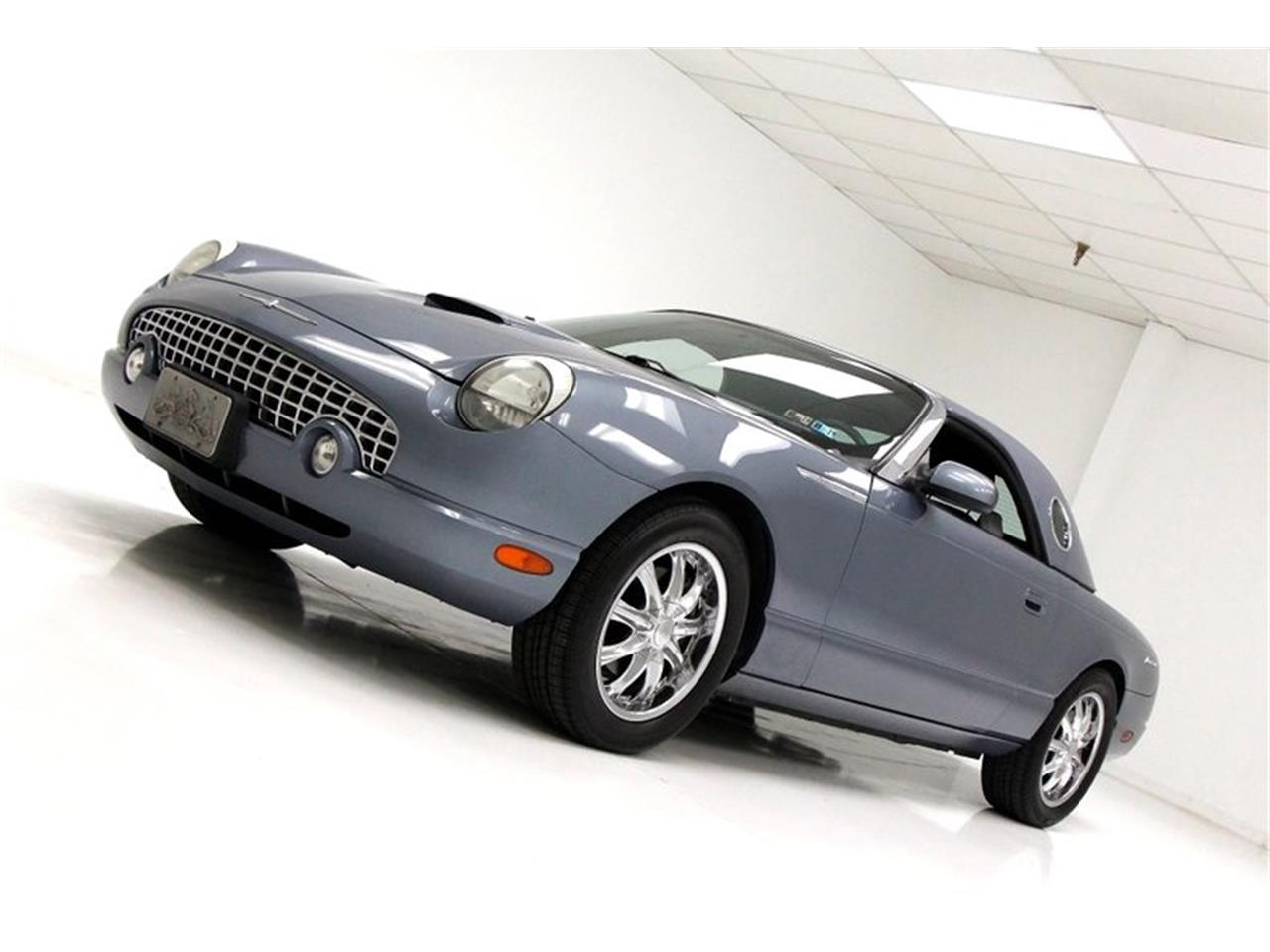 Large Picture of '05 Thunderbird - PZ56