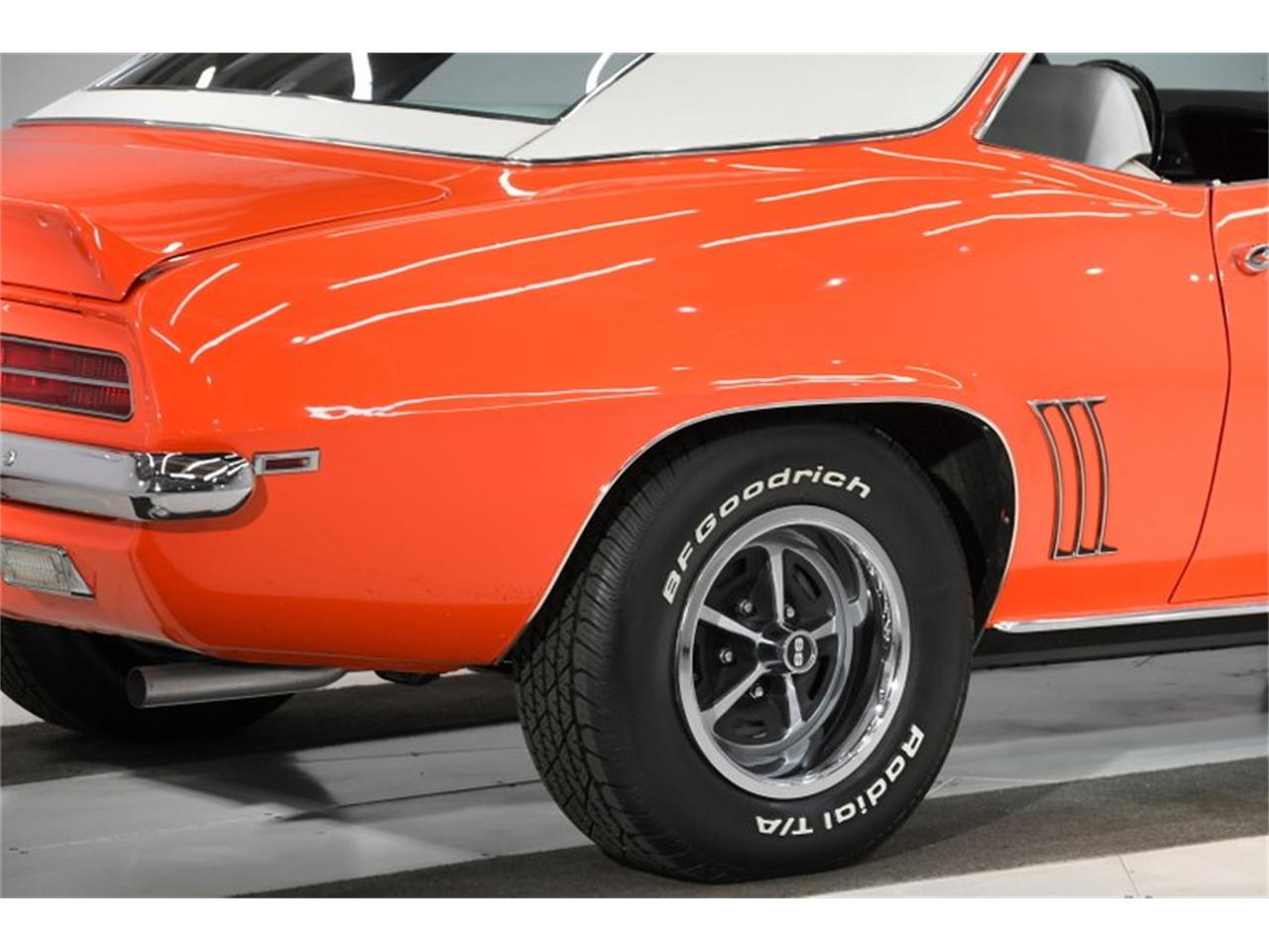 Large Picture of '69 Camaro - PZ67