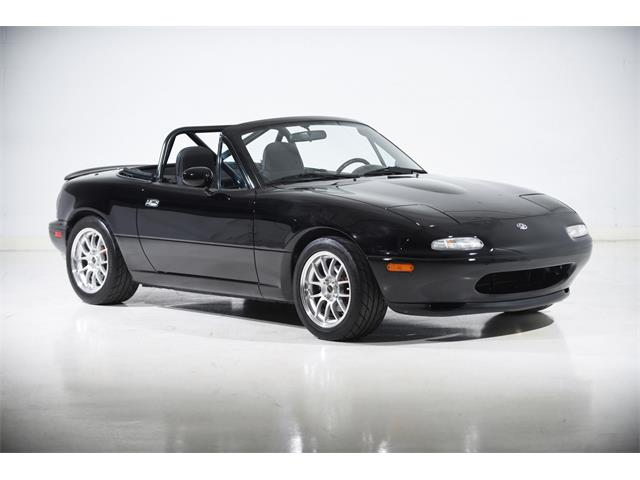 Picture of '94 Mazda Miata located in Farmingdale New York - $19,900.00 Offered by  - PXSX