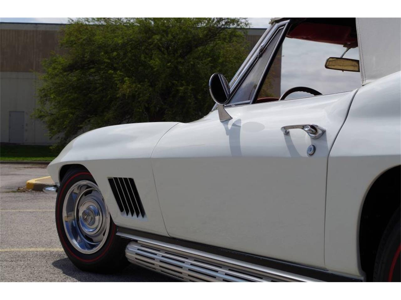 Large Picture of Classic 1967 Corvette located in N. Kansas City Missouri Offered by Vintage Vettes, LLC - PZ9R