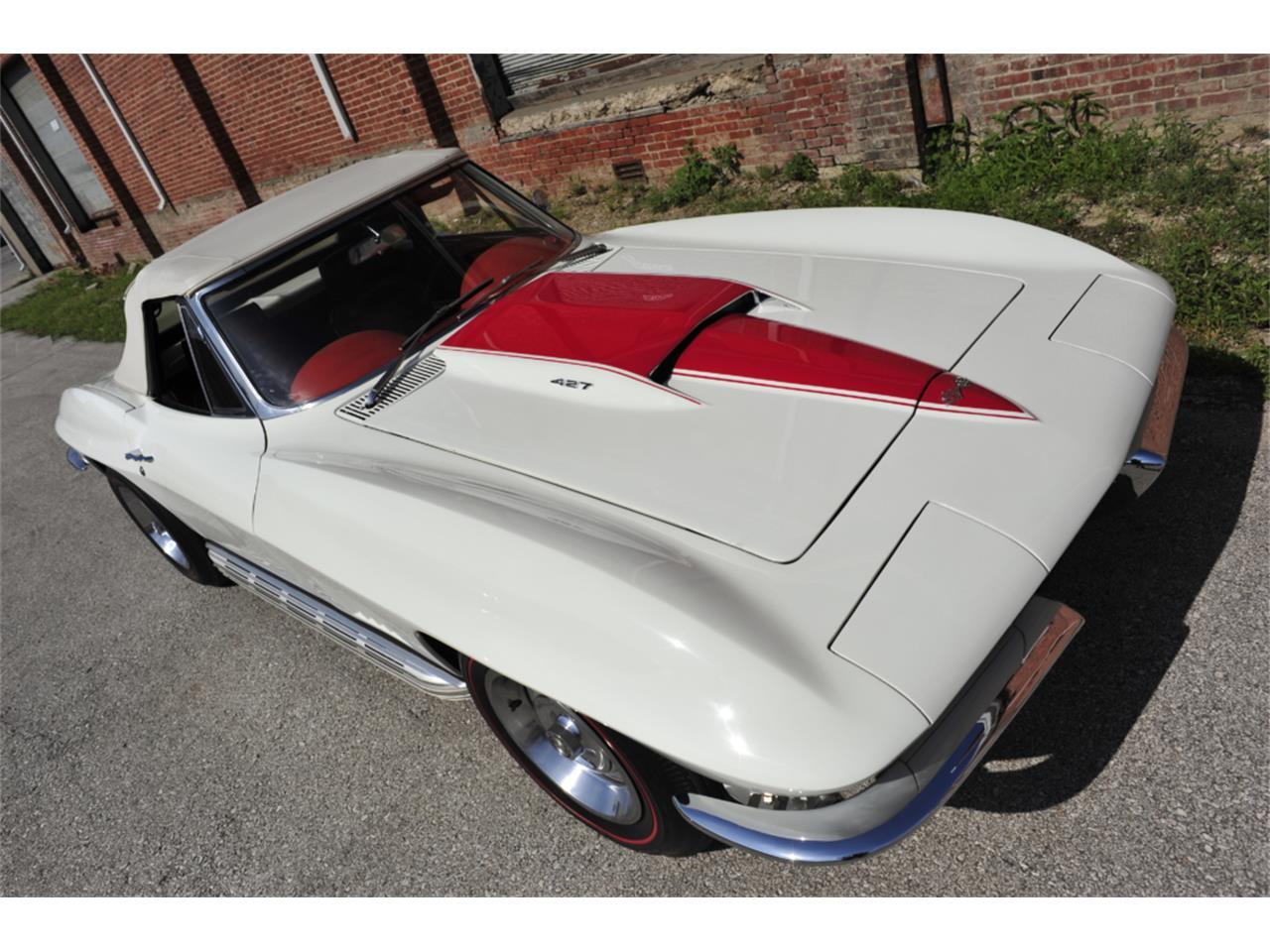 Large Picture of Classic 1967 Corvette - PZ9R
