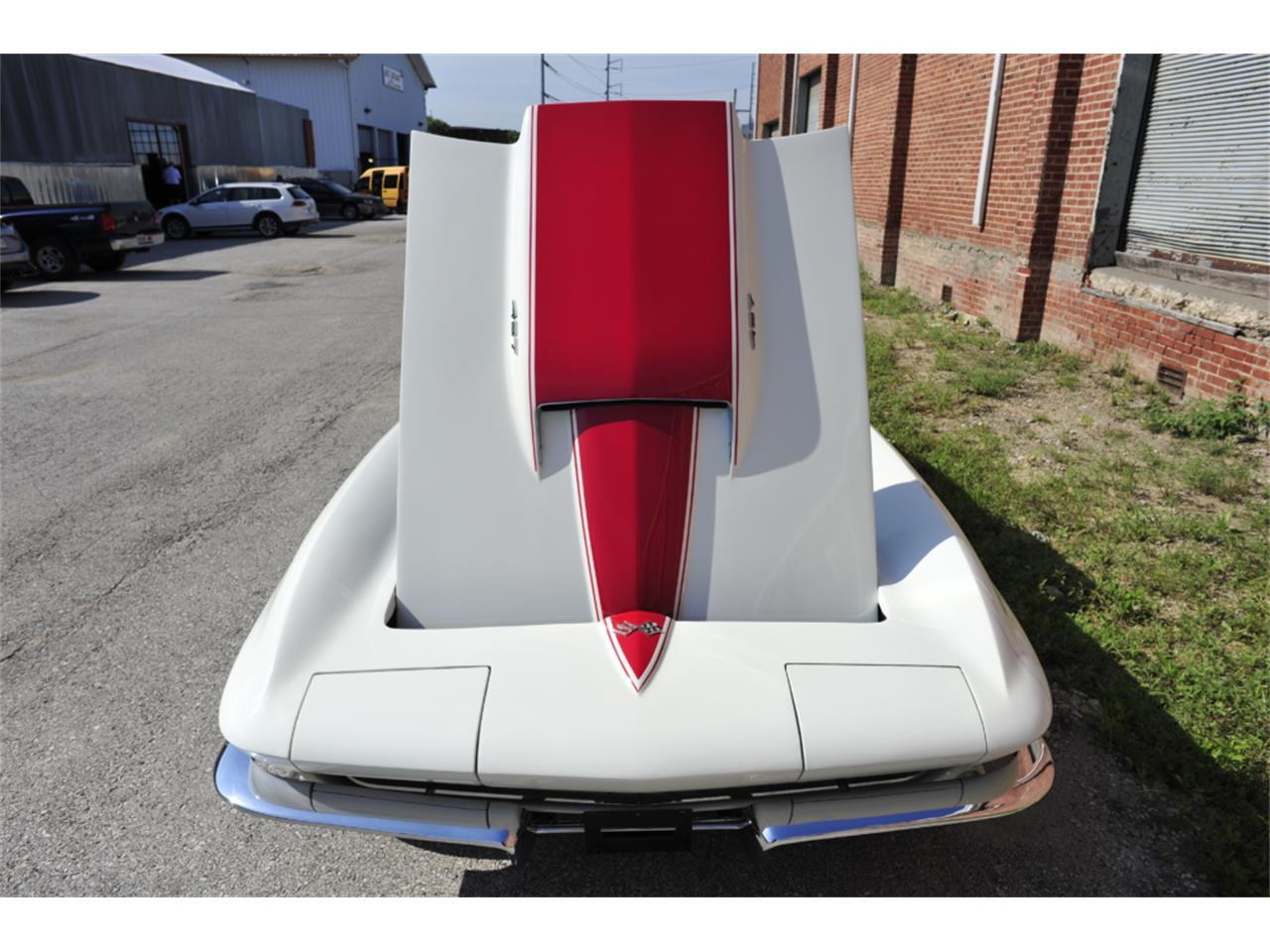 Large Picture of Classic '67 Corvette located in Missouri - PZ9R