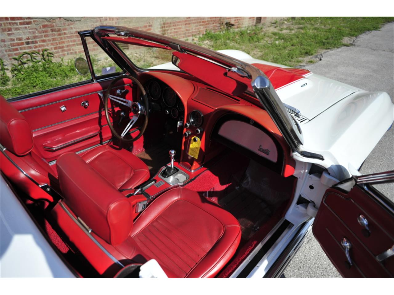 Large Picture of '67 Chevrolet Corvette located in N. Kansas City Missouri Offered by Vintage Vettes, LLC - PZ9R