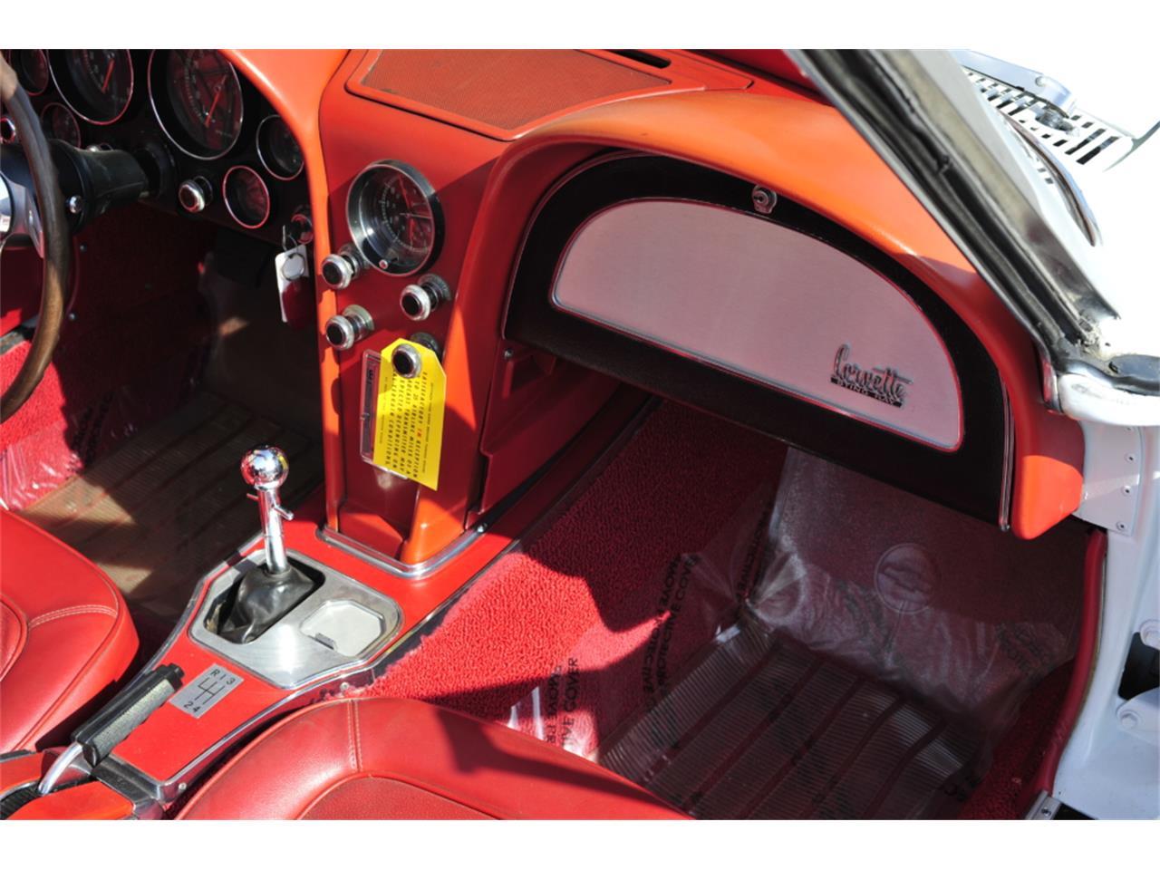 Large Picture of Classic 1967 Chevrolet Corvette - PZ9R
