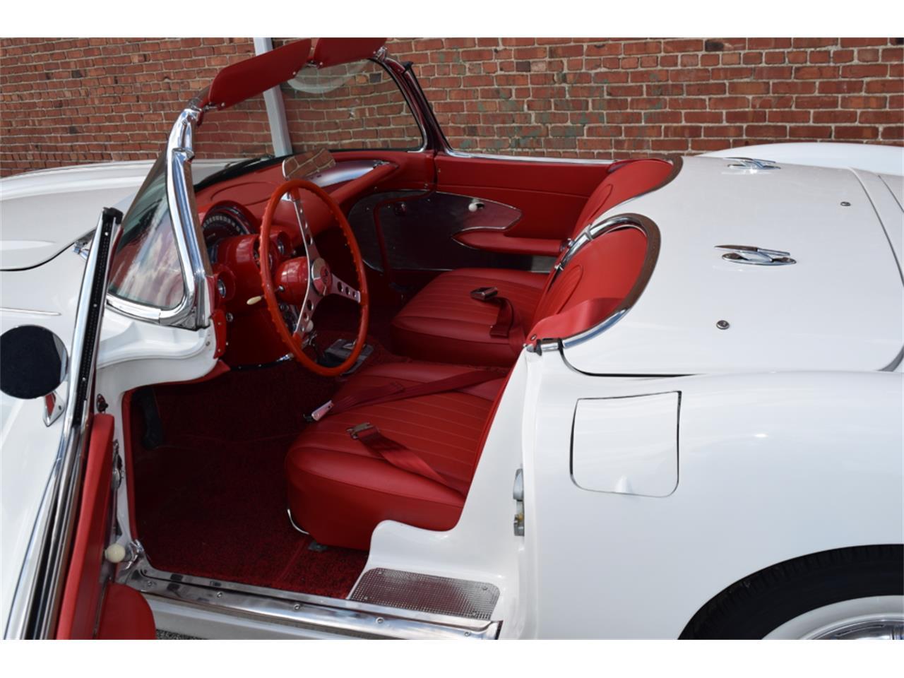 Large Picture of '60 Corvette - PZAB
