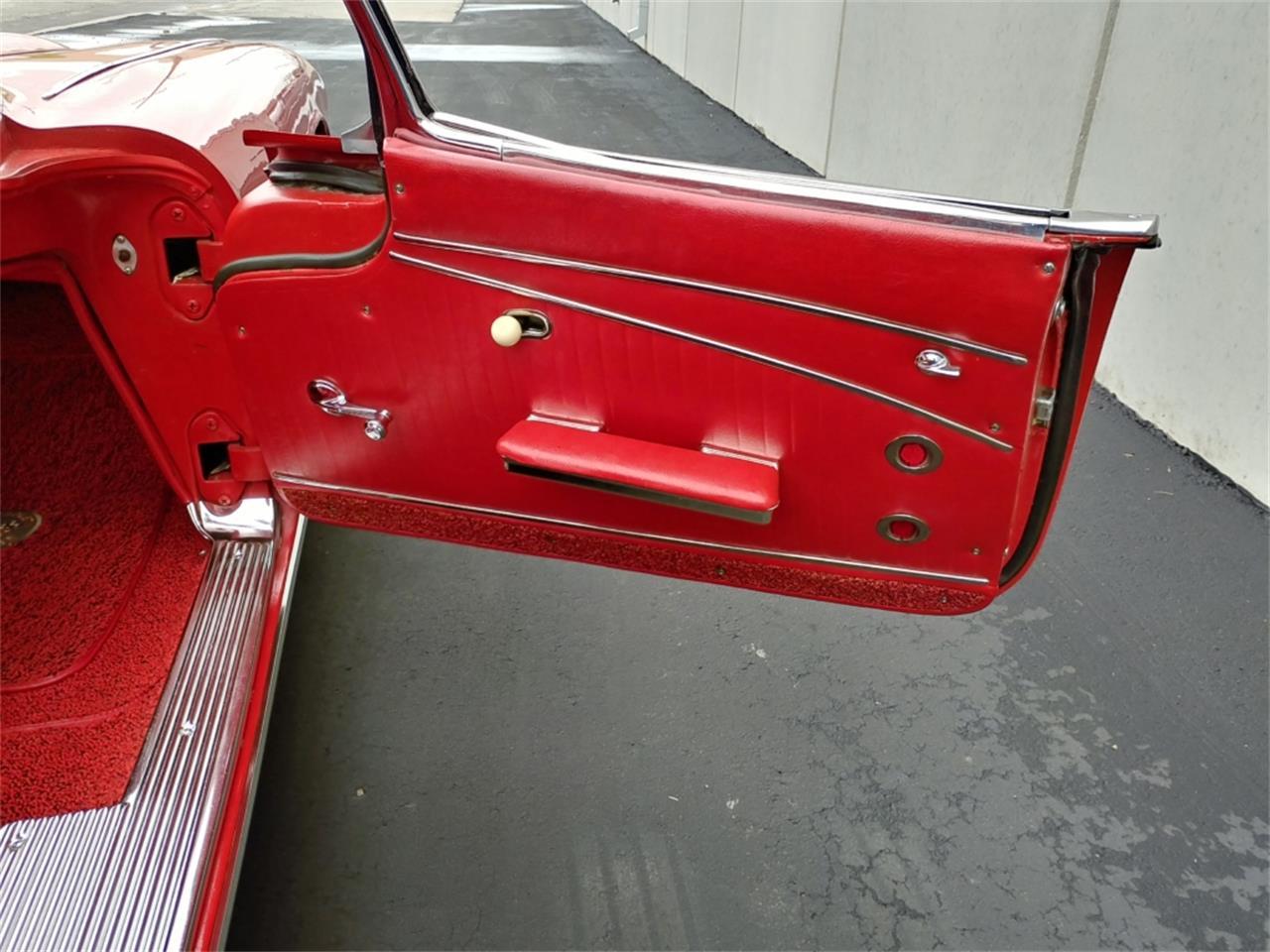 Large Picture of '62 Corvette - PZAQ