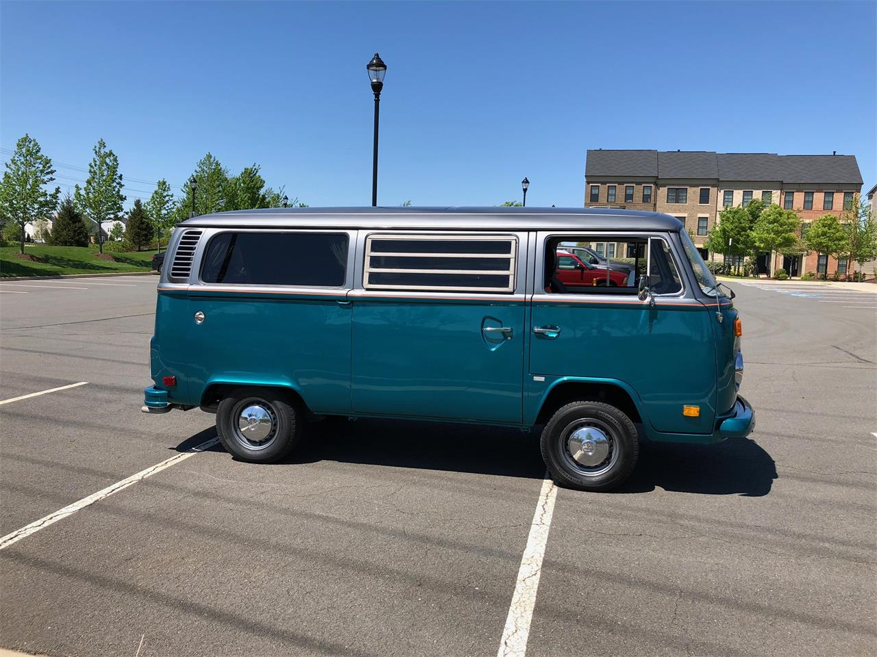 Large Picture of '76 Volkswagen Bus - PZCT