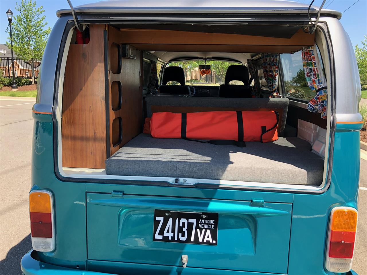 Large Picture of '76 Volkswagen Bus - $25,000.00 Offered by a Private Seller - PZCT