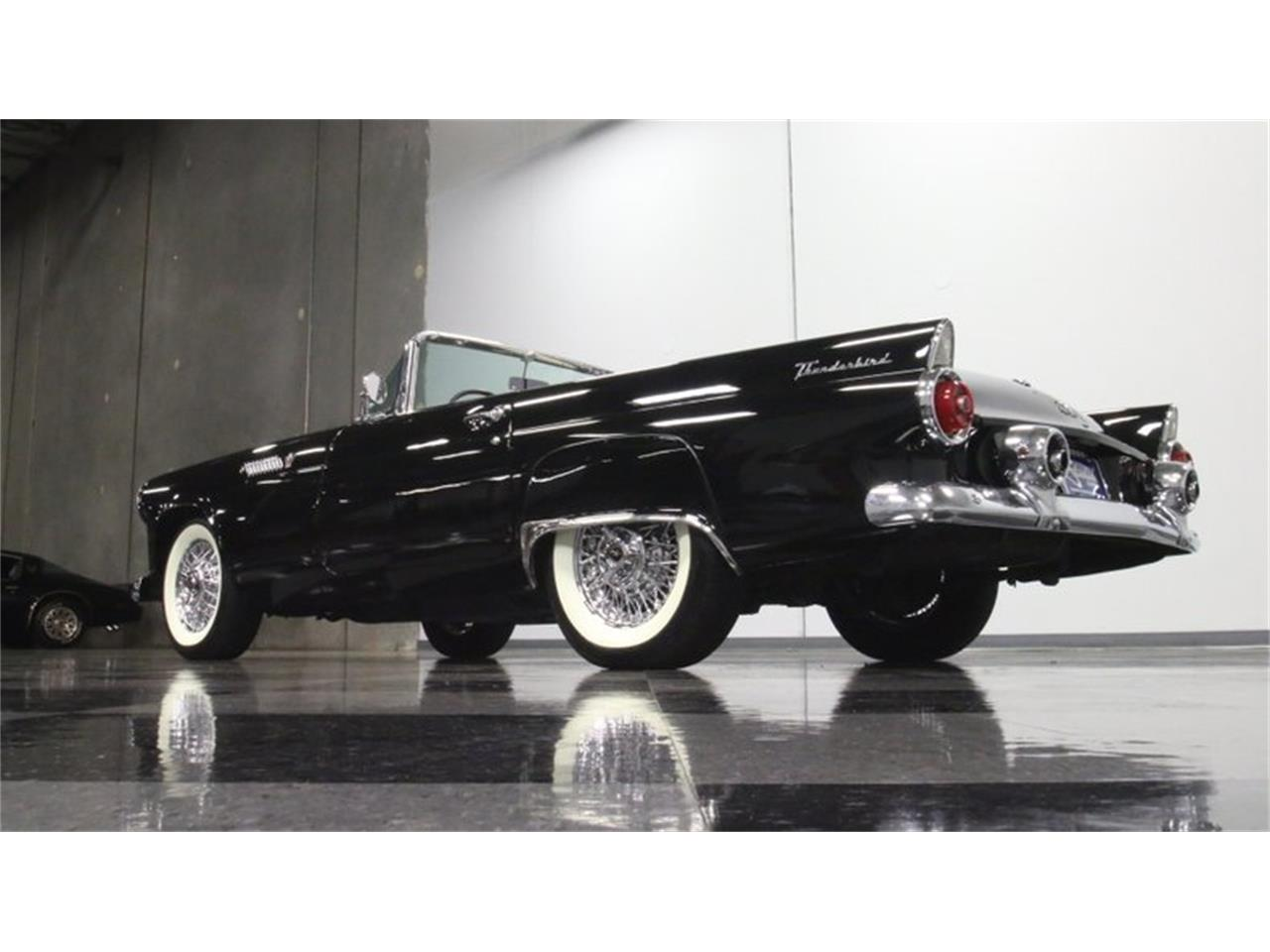 Large Picture of Classic '55 Thunderbird - PZDE