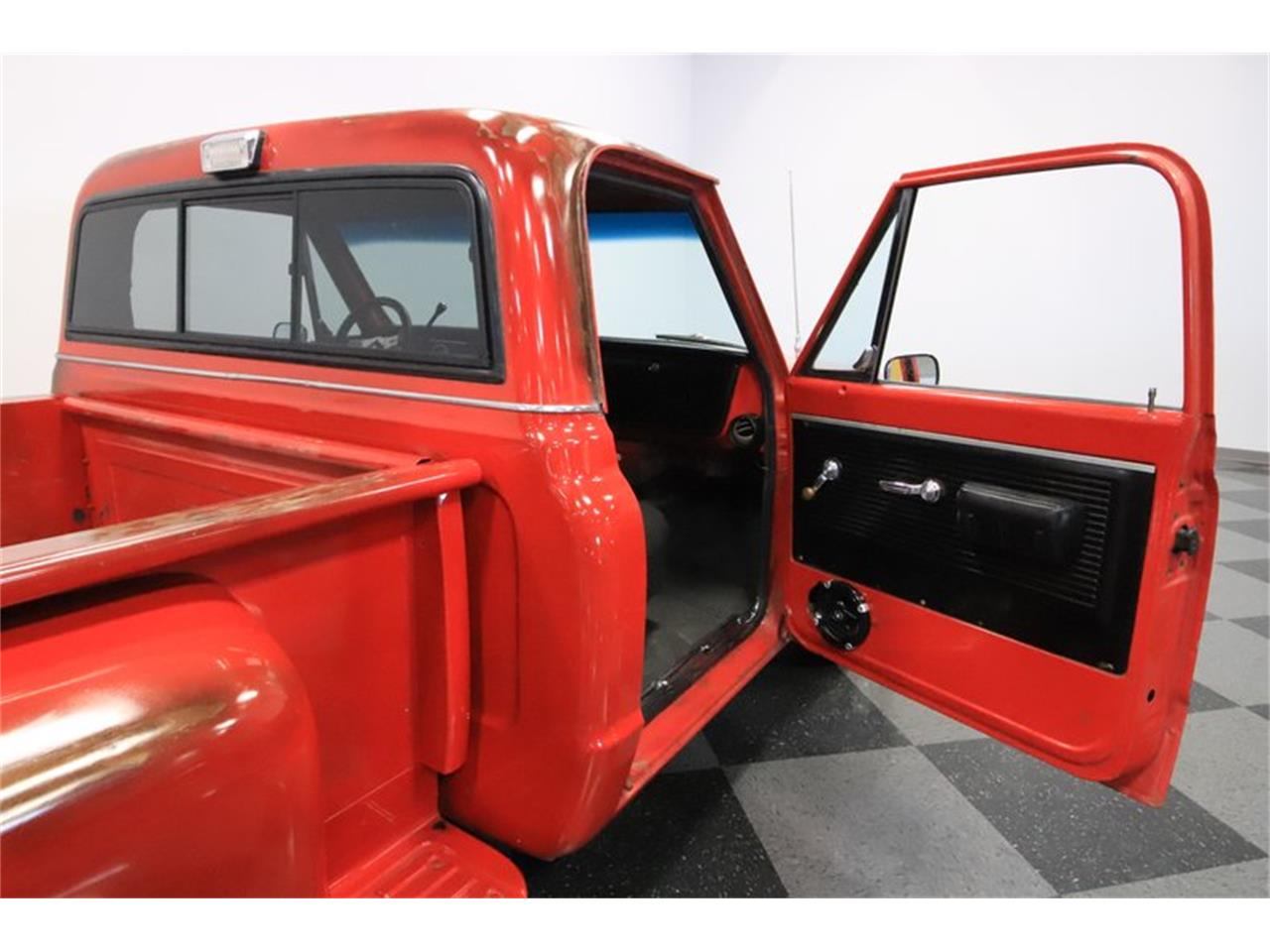 Large Picture of 1969 Chevrolet C10 - $19,995.00 Offered by Streetside Classics - Phoenix - PZE4