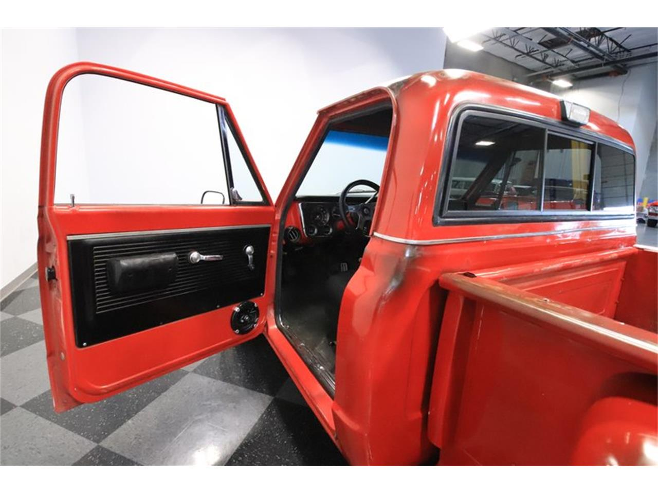 Large Picture of 1969 Chevrolet C10 located in Arizona Offered by Streetside Classics - Phoenix - PZE4
