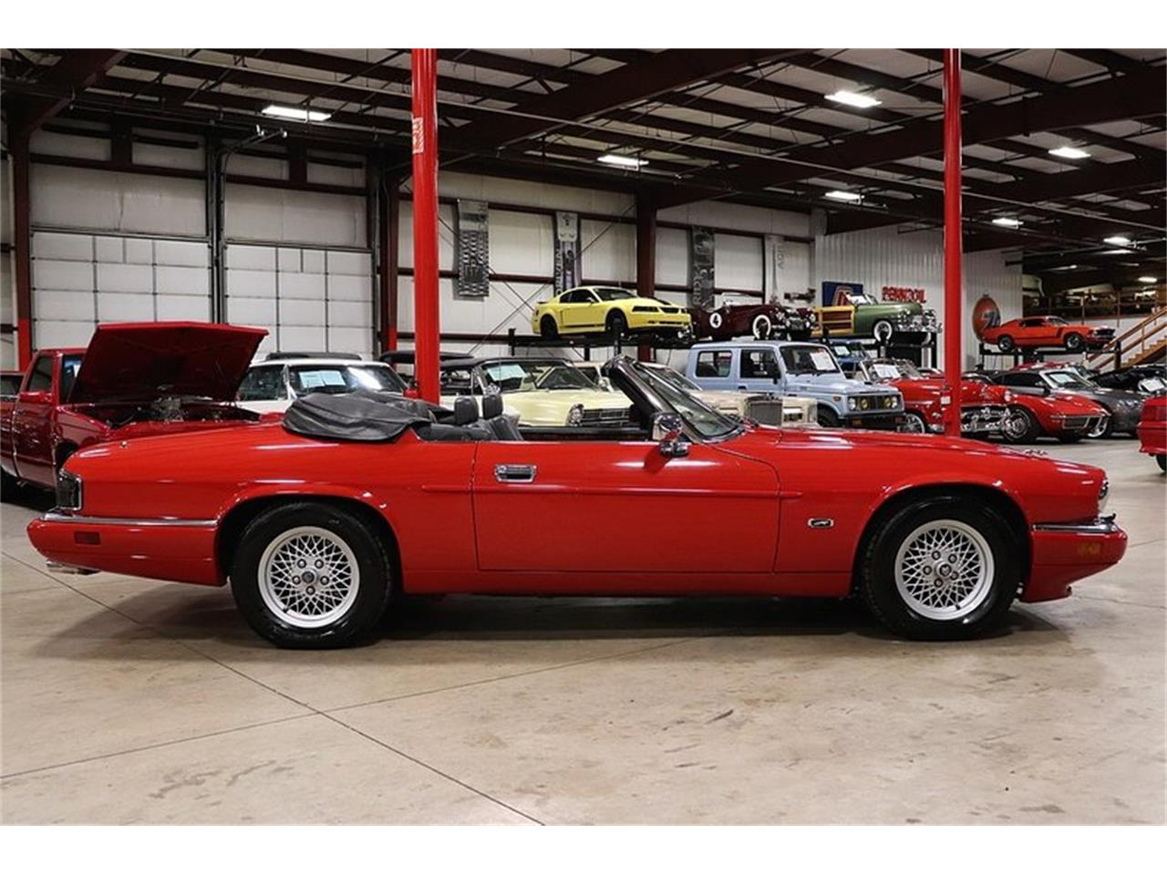 Large Picture of 1994 Jaguar XJS located in Kentwood Michigan - PZMF