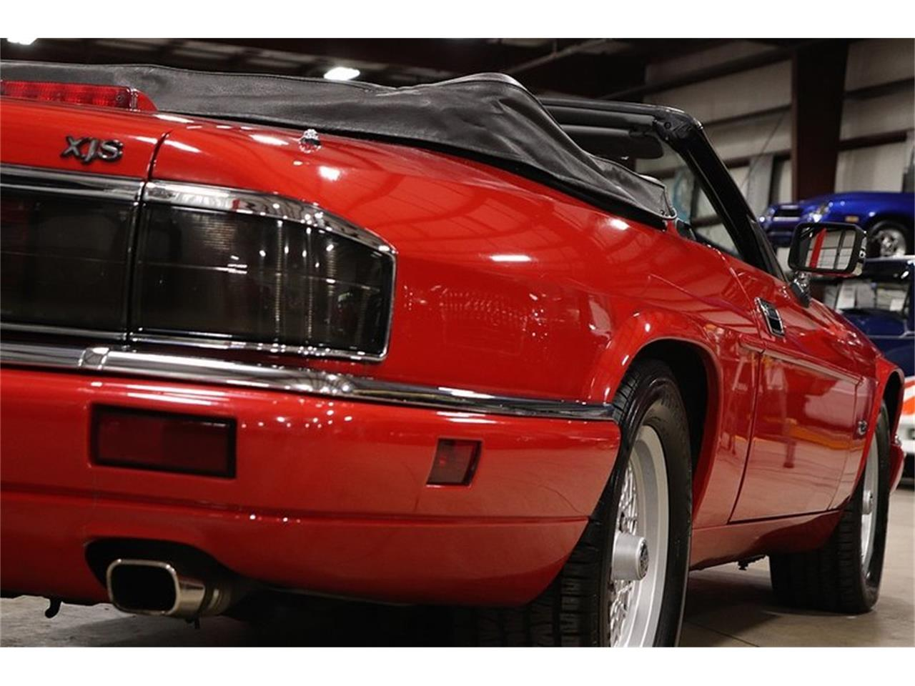 Large Picture of 1994 XJS located in Kentwood Michigan - PZMF