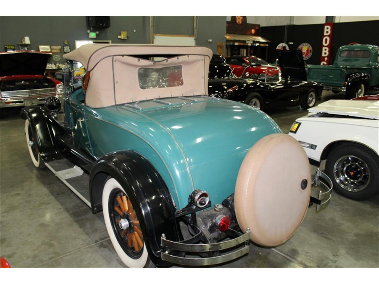 Large Picture of Classic 1927 Chrysler 50 - PZOO