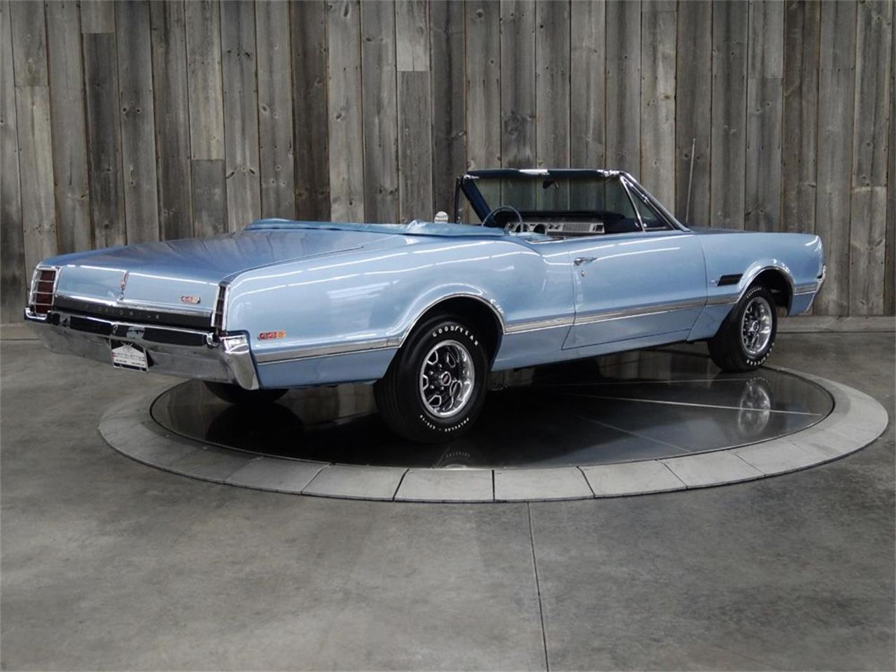 Large Picture of Classic '66 Oldsmobile 442 located in Bettendorf Iowa Offered by Veit's Vettes And Collector Cars - PZQW