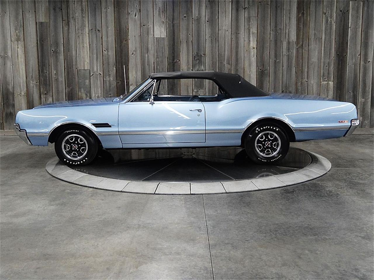 Large Picture of Classic 1966 Oldsmobile 442 located in Iowa Offered by Veit's Vettes And Collector Cars - PZQW
