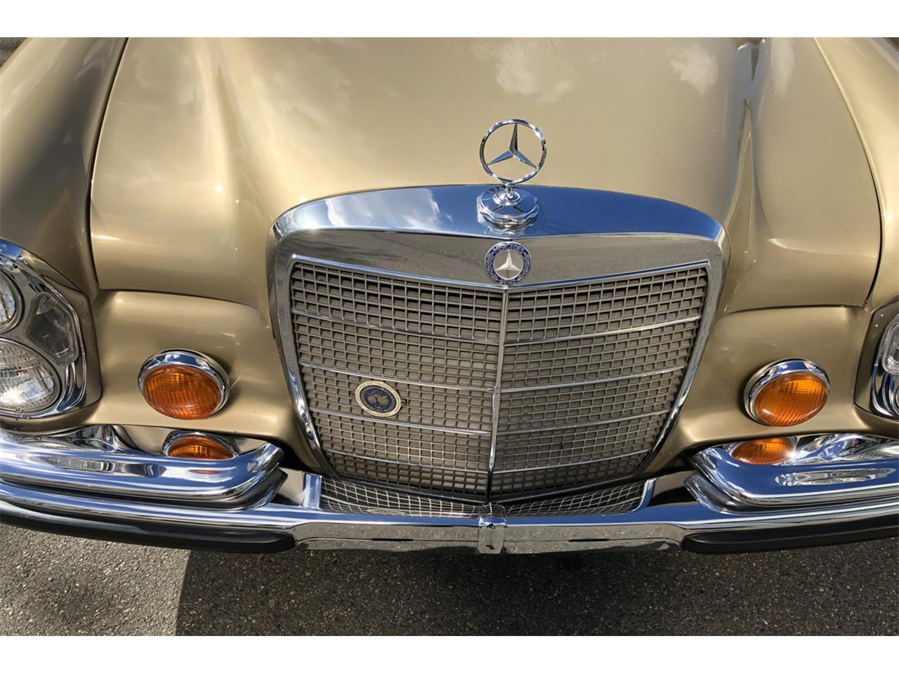 Large Picture of Classic 1972 Mercedes-Benz 300SEL Offered by Lucky Collector Car Auctions - PZTV