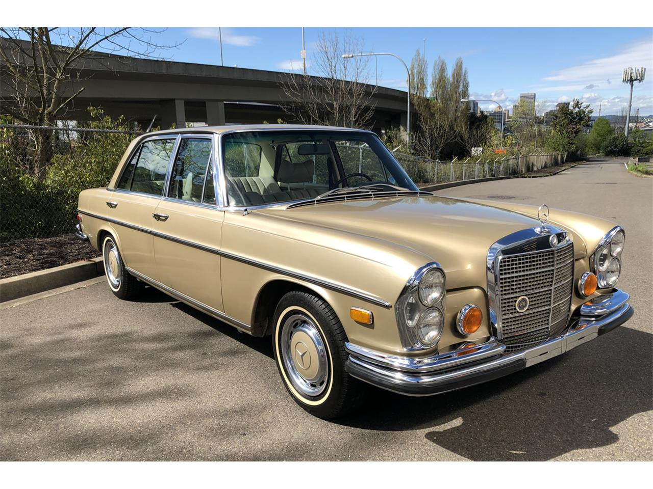 Large Picture of '72 Mercedes-Benz 300SEL located in Tacoma Washington Auction Vehicle Offered by Lucky Collector Car Auctions - PZTV
