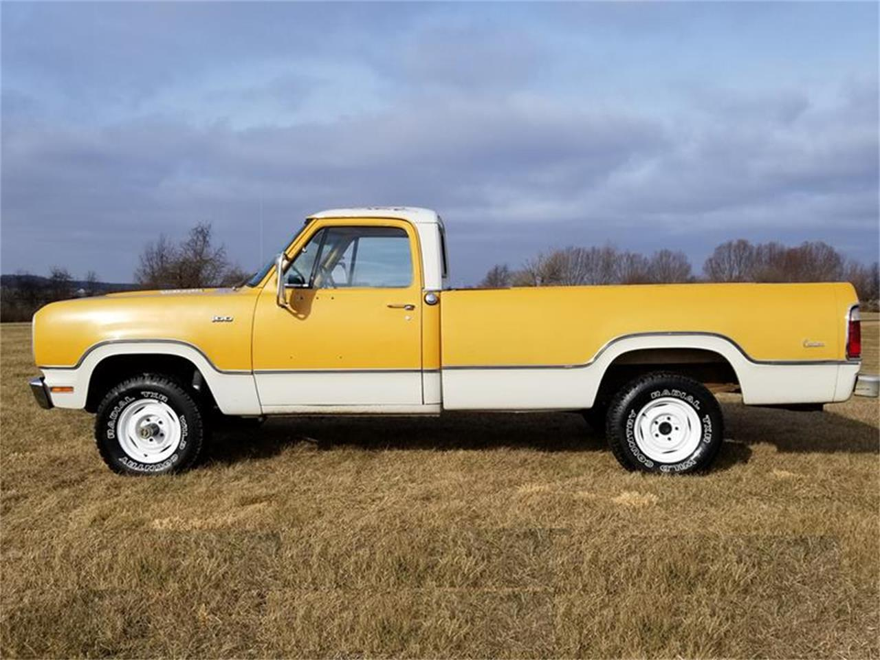 Large Picture of '73 Dodge Power Wagon - $8,900.00 Offered by Classic Car Guy - PZZS