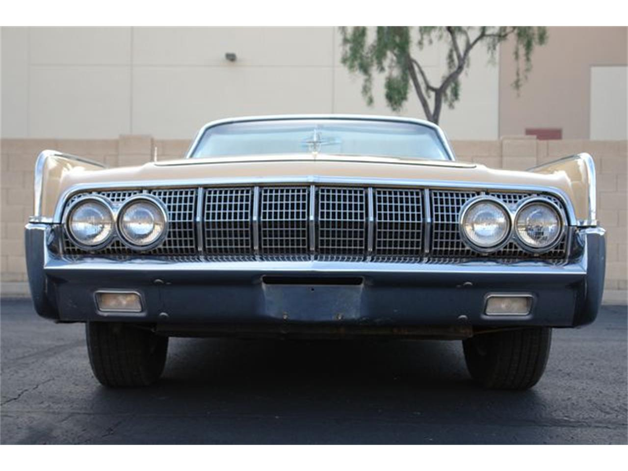 Large Picture of Classic 1964 Continental - Q01H