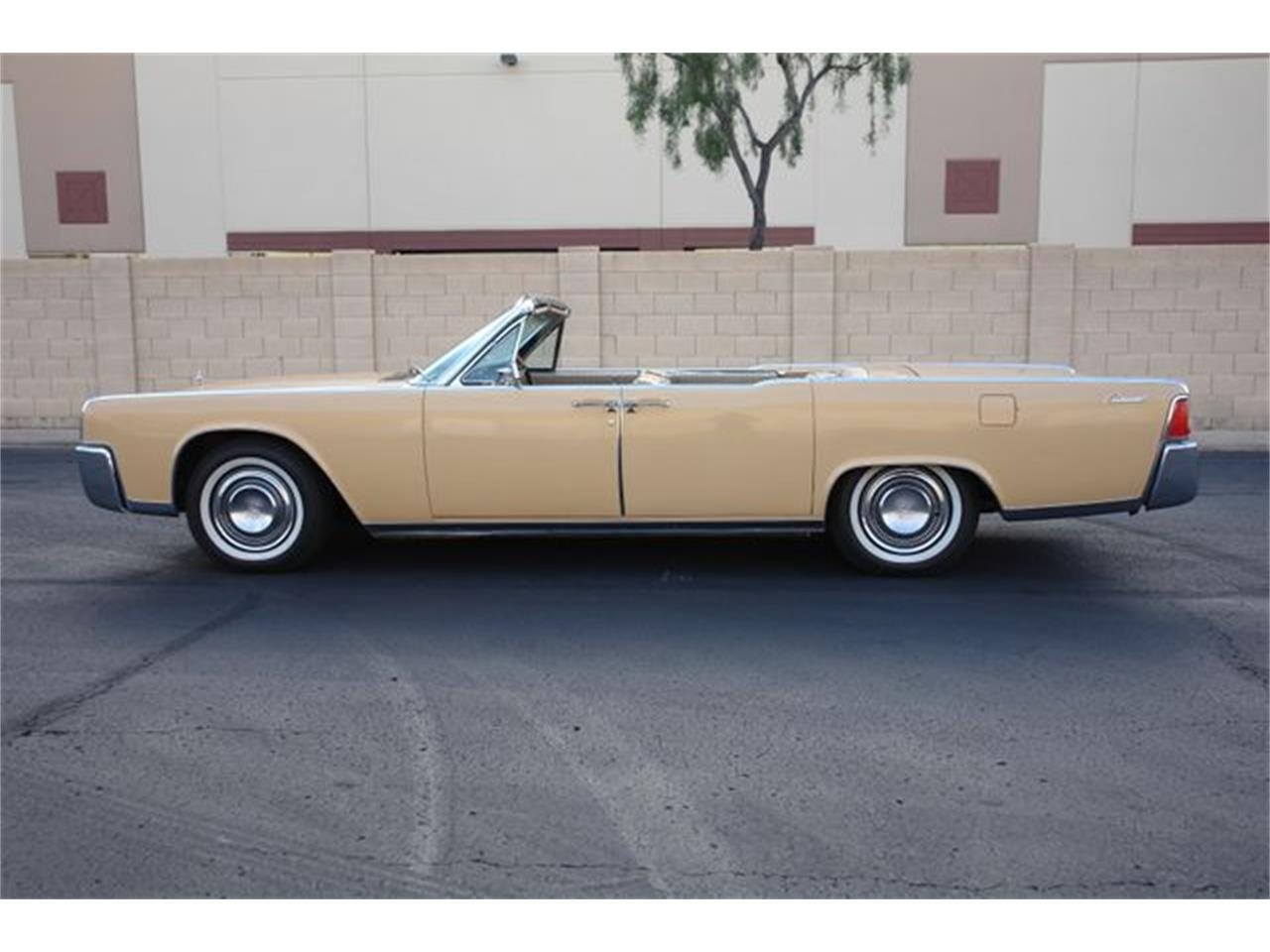 Large Picture of Classic 1964 Lincoln Continental located in Arizona - Q01H