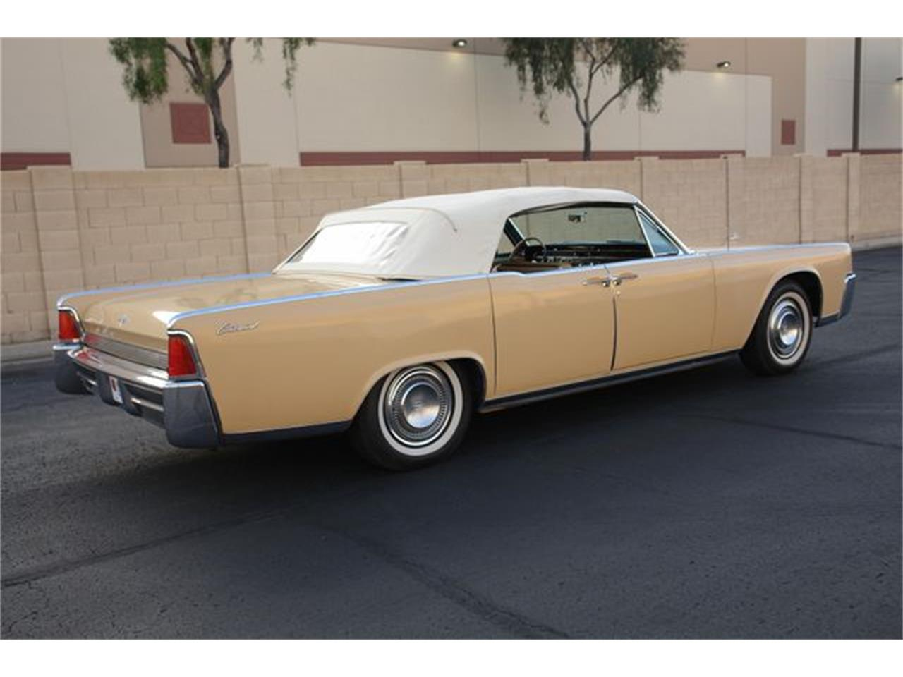 Large Picture of '64 Lincoln Continental - Q01H