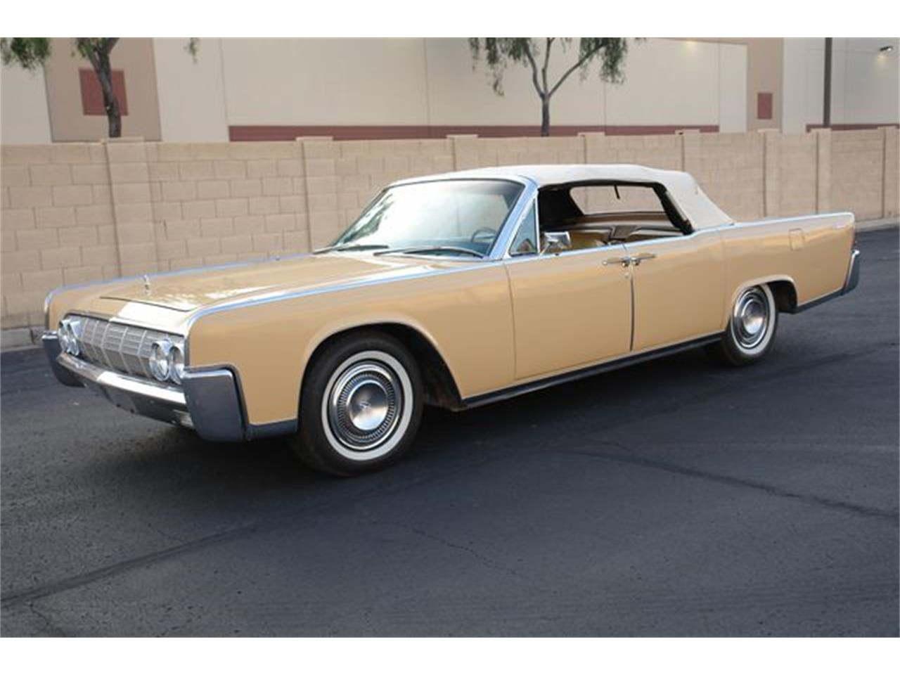 Large Picture of Classic '64 Continental located in Phoenix Arizona Offered by Arizona Classic Car Sales - Q01H