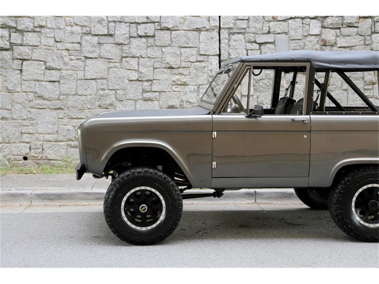 Large Picture of '68 Bronco - PXW2