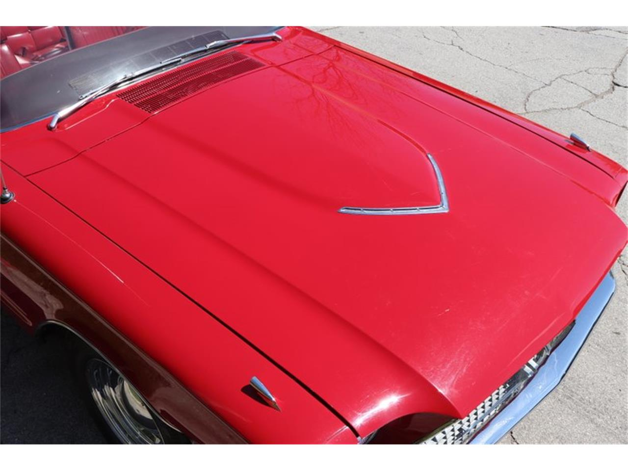 Large Picture of Classic 1966 Ford Thunderbird - $29,900.00 Offered by Midwest Car Exchange - Q0AO