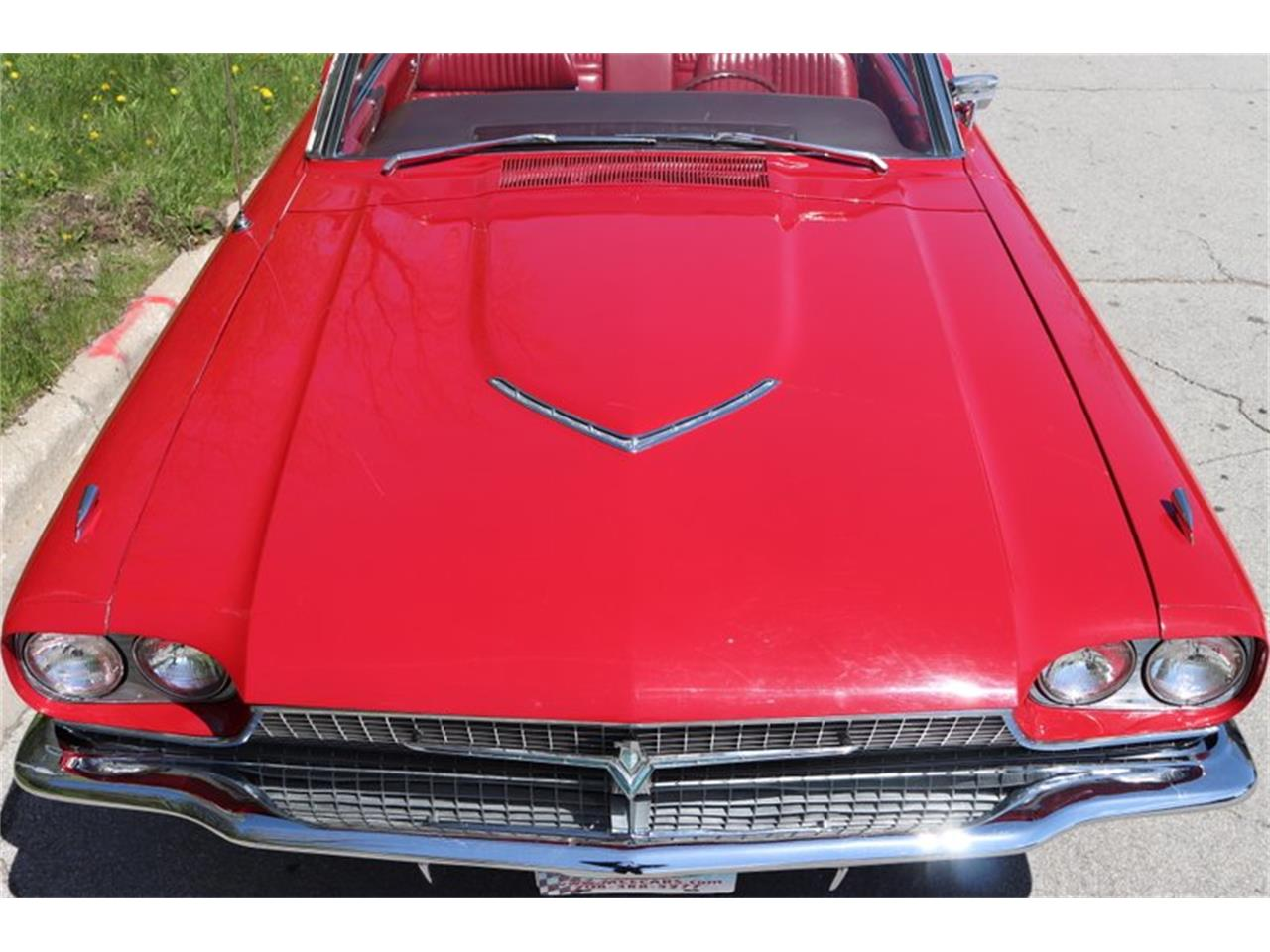 Large Picture of Classic 1966 Ford Thunderbird - Q0AO