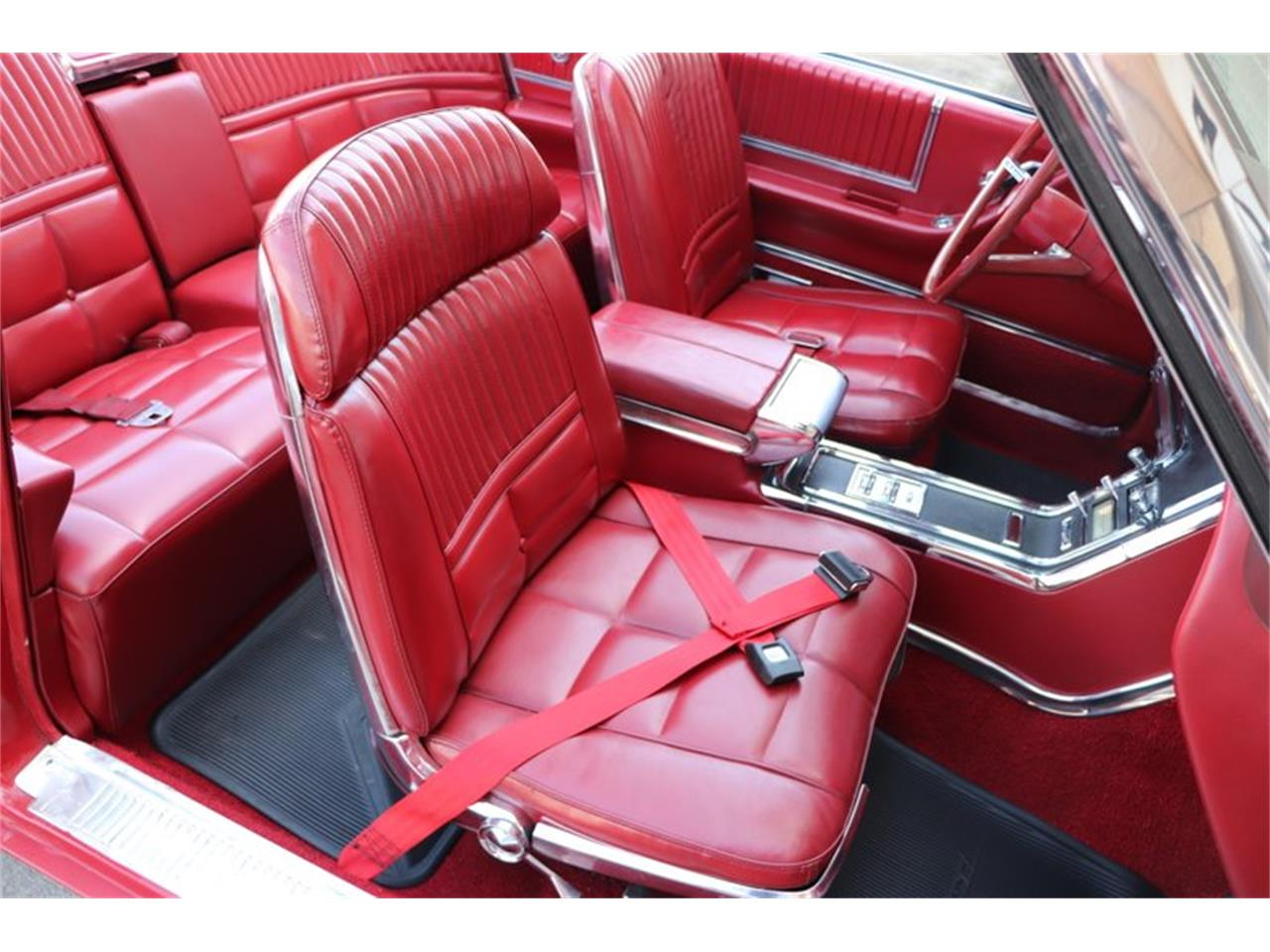 Large Picture of Classic 1966 Ford Thunderbird located in Alsip Illinois Offered by Midwest Car Exchange - Q0AO