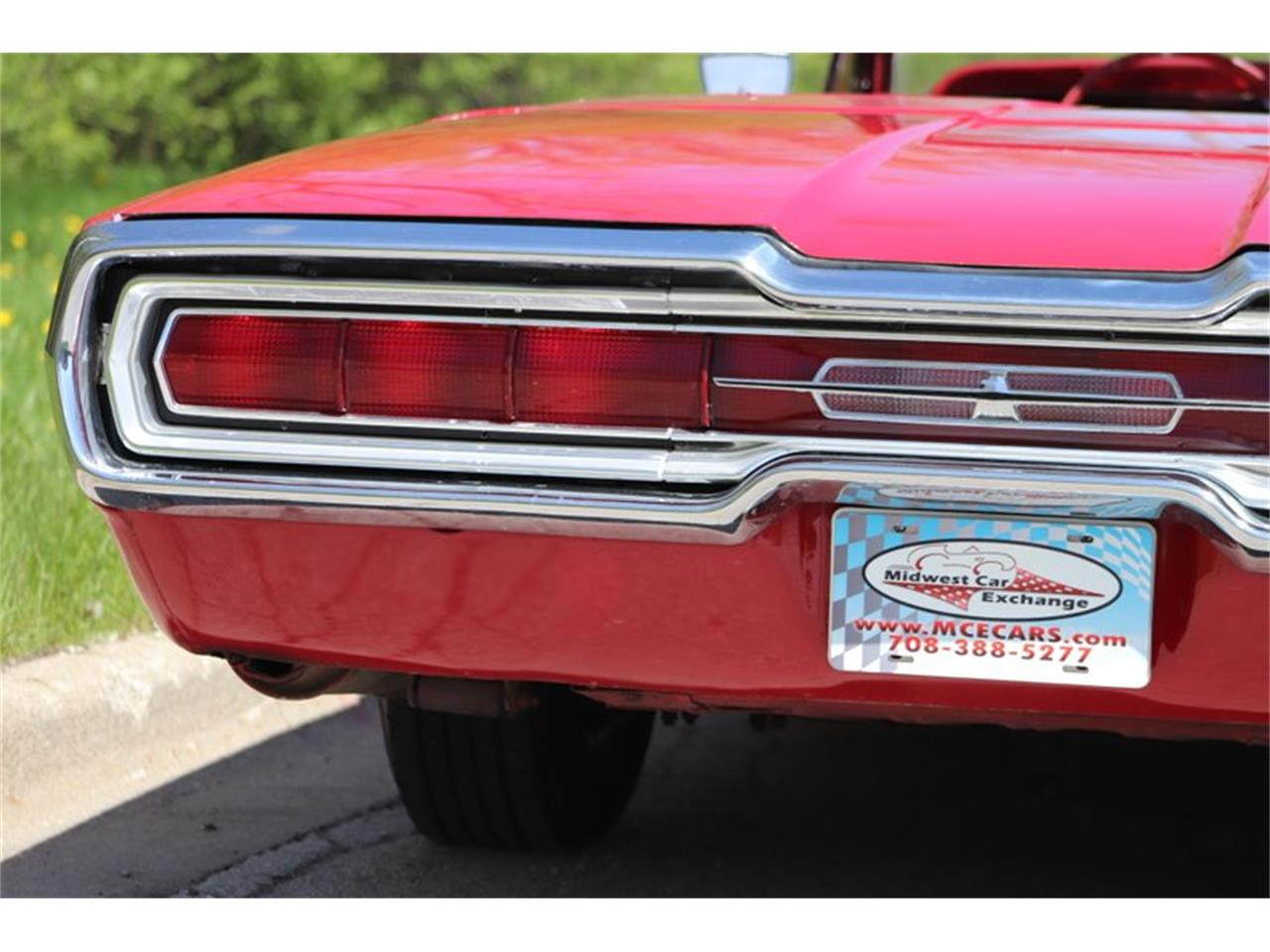Large Picture of Classic '66 Ford Thunderbird located in Illinois Offered by Midwest Car Exchange - Q0AO