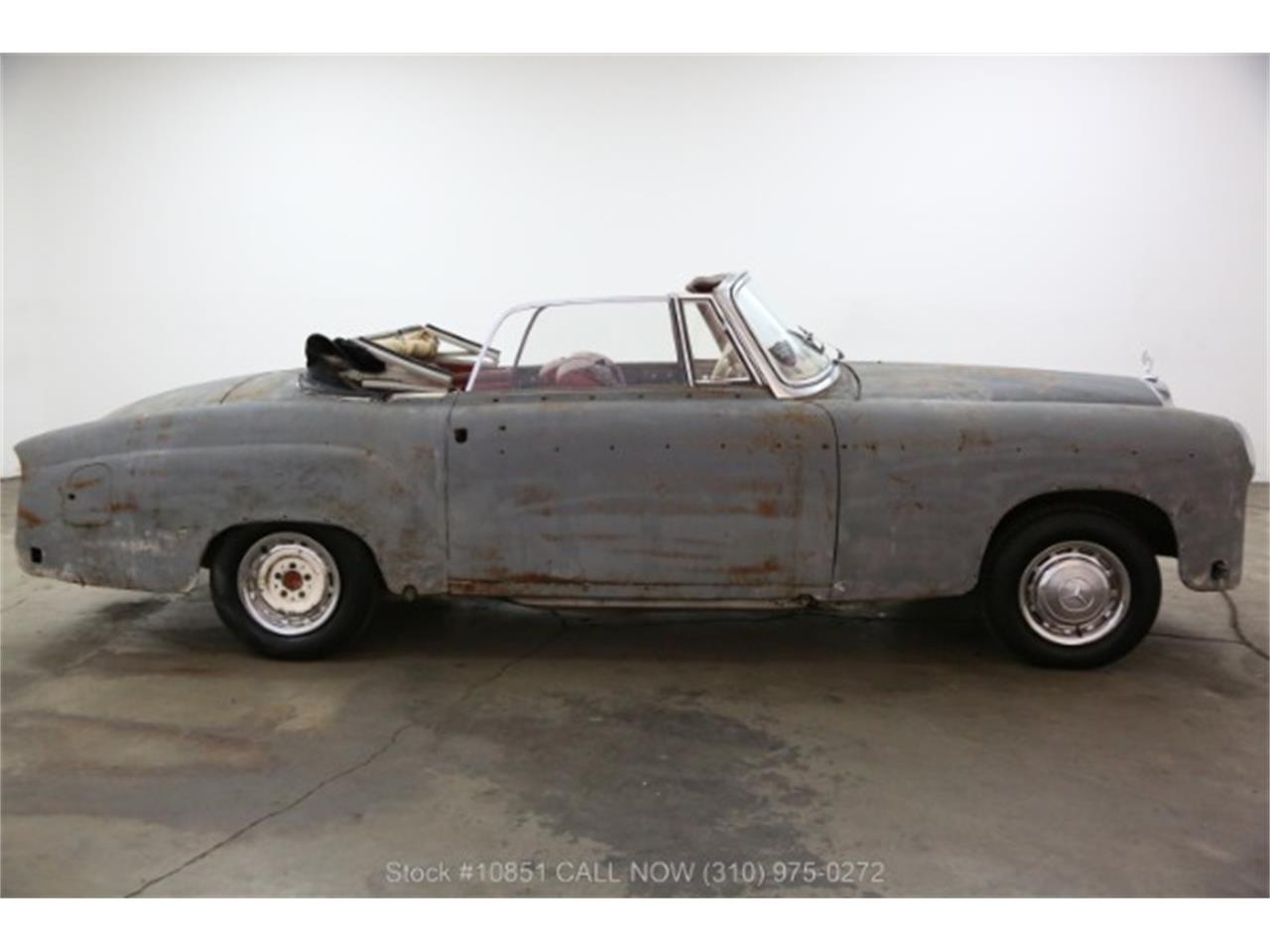 Large Picture of 1960 Mercedes-Benz 220SE located in California - $49,500.00 Offered by Beverly Hills Car Club - Q0AU