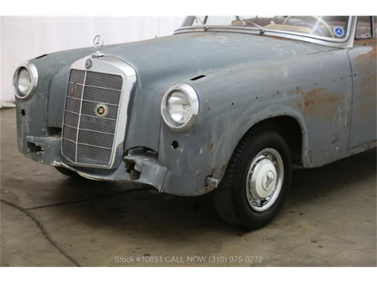 Large Picture of Classic 1960 Mercedes-Benz 220SE located in Beverly Hills California - $49,500.00 - Q0AU