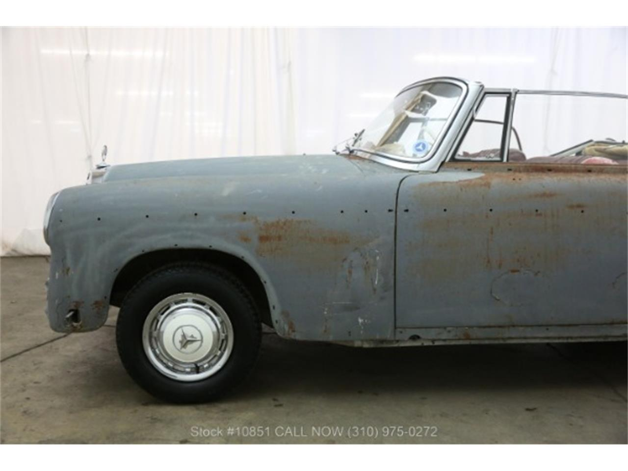 Large Picture of '60 Mercedes-Benz 220SE located in Beverly Hills California Offered by Beverly Hills Car Club - Q0AU