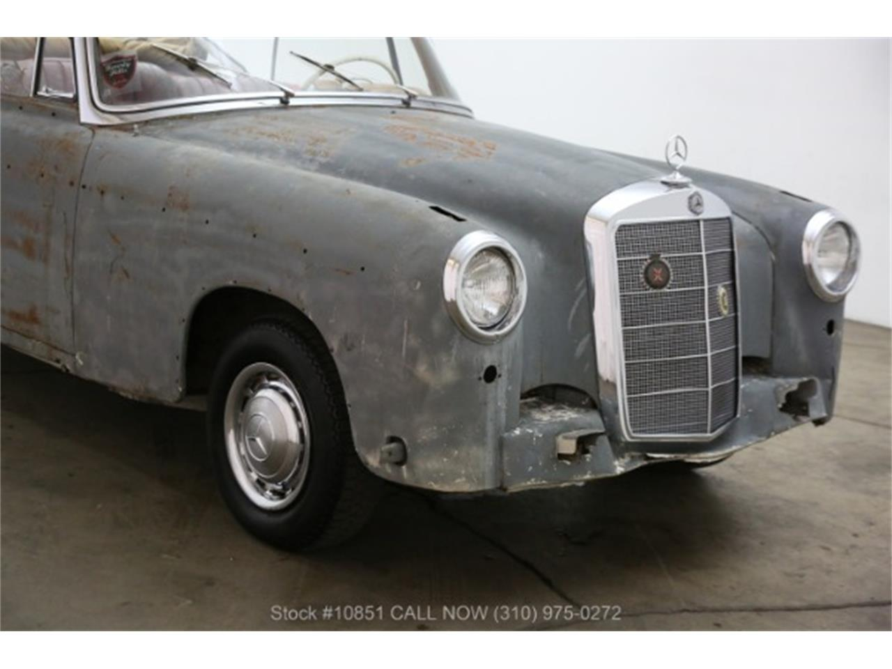 Large Picture of Classic 1960 Mercedes-Benz 220SE located in Beverly Hills California Offered by Beverly Hills Car Club - Q0AU