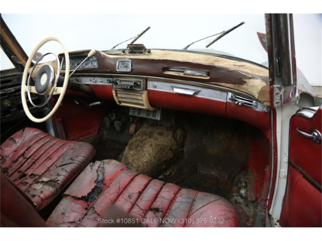 Large Picture of Classic '60 Mercedes-Benz 220SE - Q0AU