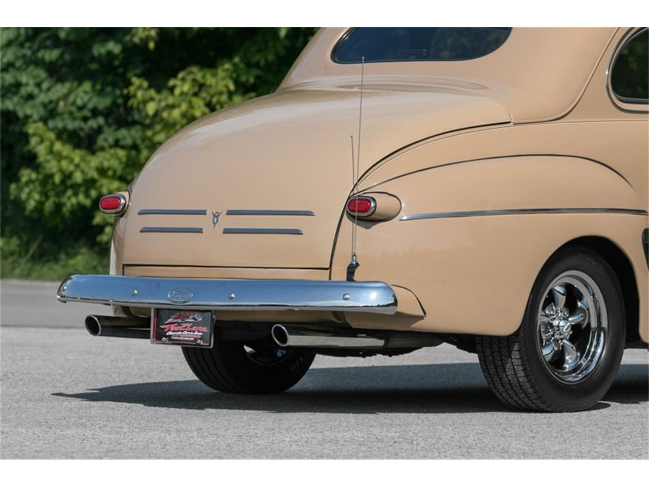 Large Picture of Classic '46 Ford 2-Dr Coupe located in Missouri Offered by Fast Lane Classic Cars Inc. - Q0B9